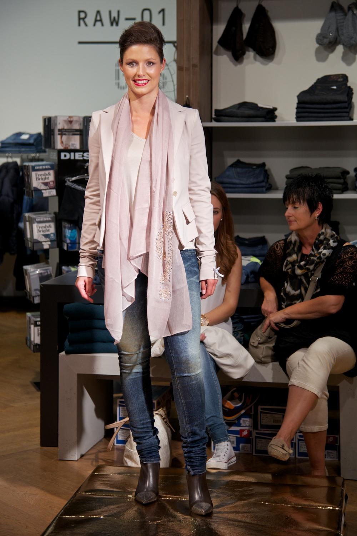 KW_140917_Fashionshow_web_021.jpg