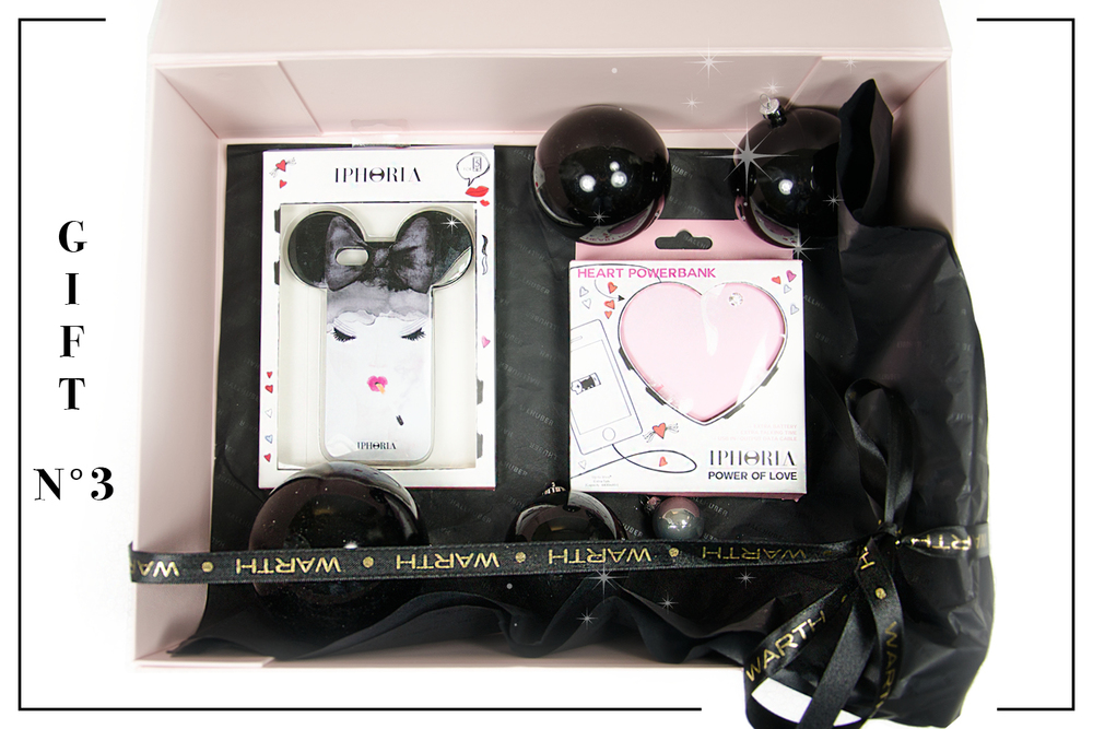 Für Smartphone-Junkies Surfen, E-Mail schreiben und telefonieren macht mit diesen Accessoires noch mehr Spaß! Iphoria, 40,- Shop @ Modehaus Keller-Warth Biberach