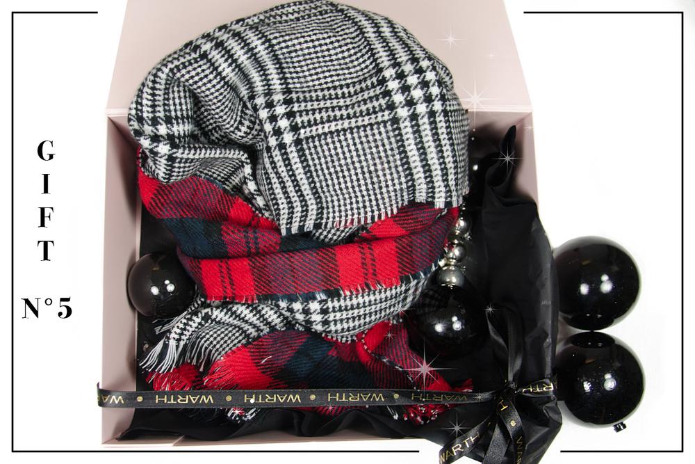 Für Herzbuben Karo geht immer. Der coole Schal hält sogar noch richtig warm. Review, 29,95 Shop @ Warth men Biberach