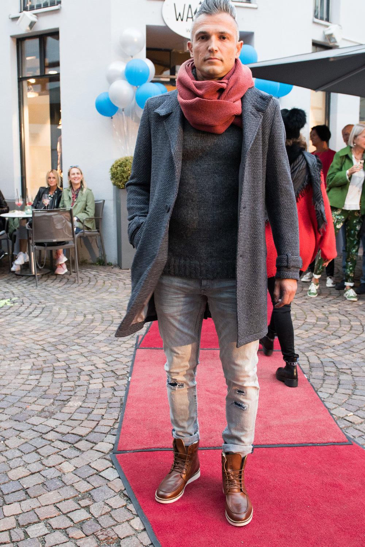 Fashionshowbackstage_13.jpg