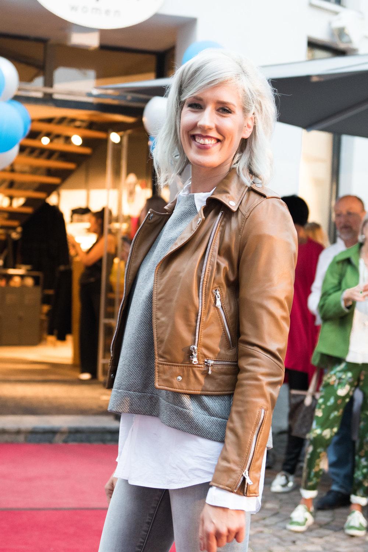Fashionshowbackstage_20.jpg