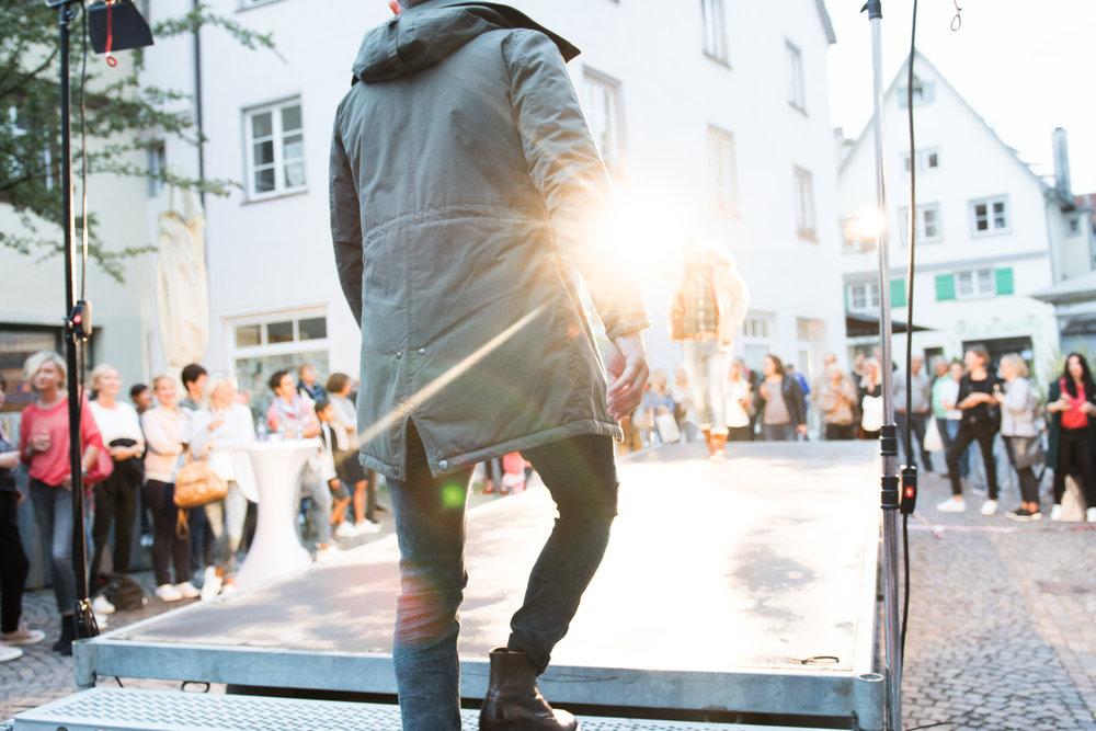 Fashionshowbackstage_45.jpg