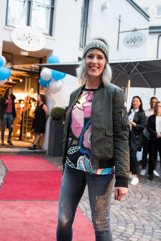 Fashionshowbackstage_51.jpg