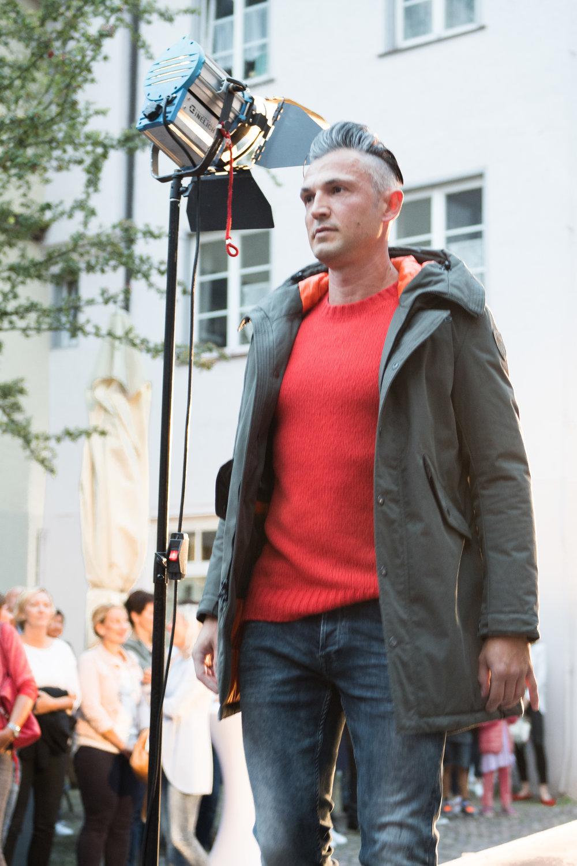 Fashionshowbackstage_49.jpg