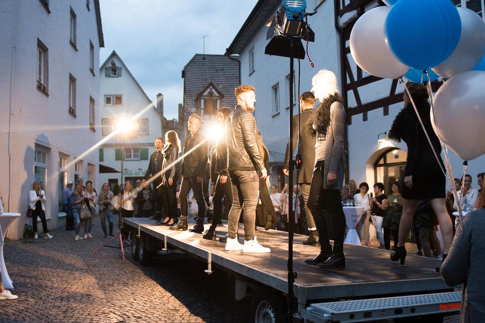 Fashionshowbackstage_89.jpg