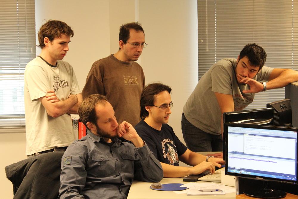 Outro grupo do SuperSprint trabalhando