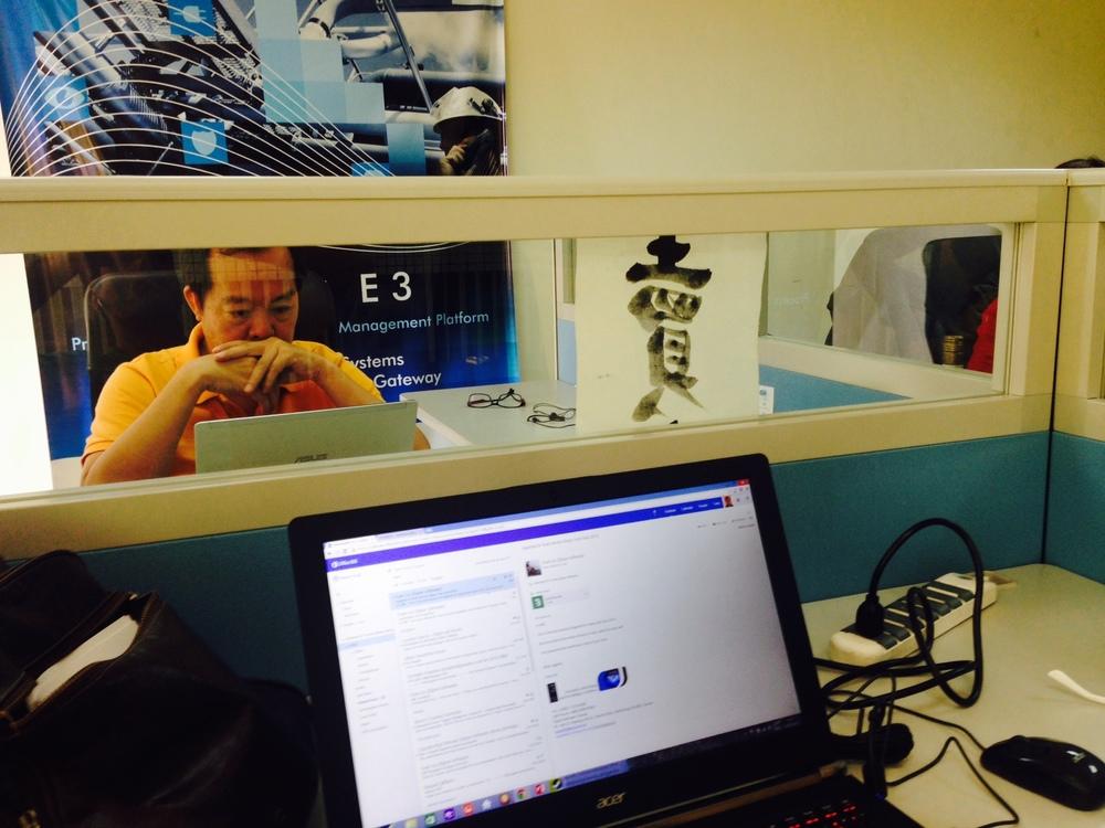 Evan Liu nos últimos preparativos para o Elipse Tech Asia