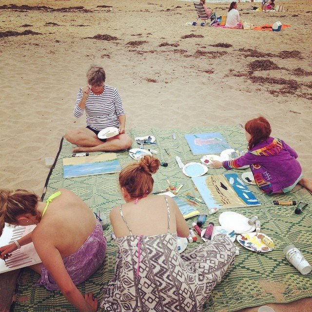 No fear... painting on the beach! Sand mixed with paint, NO PROBLEM!