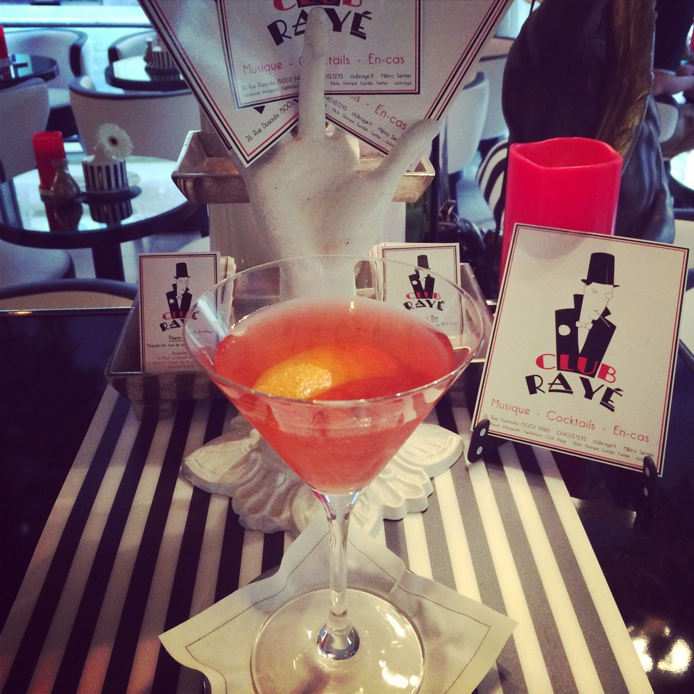 Club Rayé Barman Marco says : Pourquoi pas ? Galliano Gin , a mixture of Galliano Liquore , gin and goji syrup!