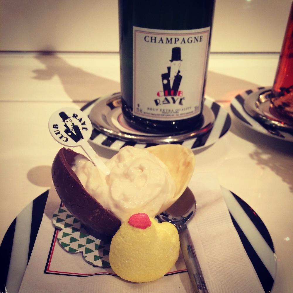 L'équipe du Club Rayé vous souhaite une joyeuse Pâques! The Club Rayé team wishes you Happy Easter!