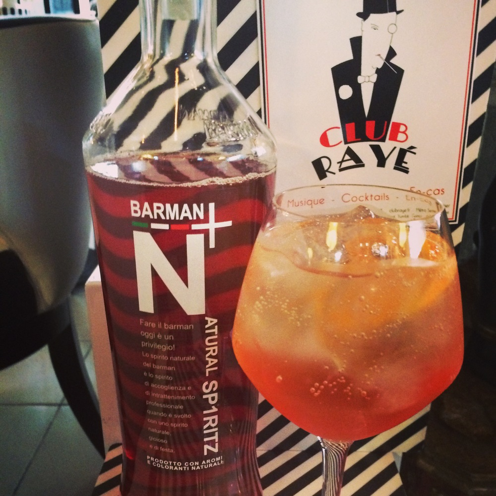 Club Rayé Barmen Marco says : Pourquoi pas ? Natural Spritz,the only one in Paris!
