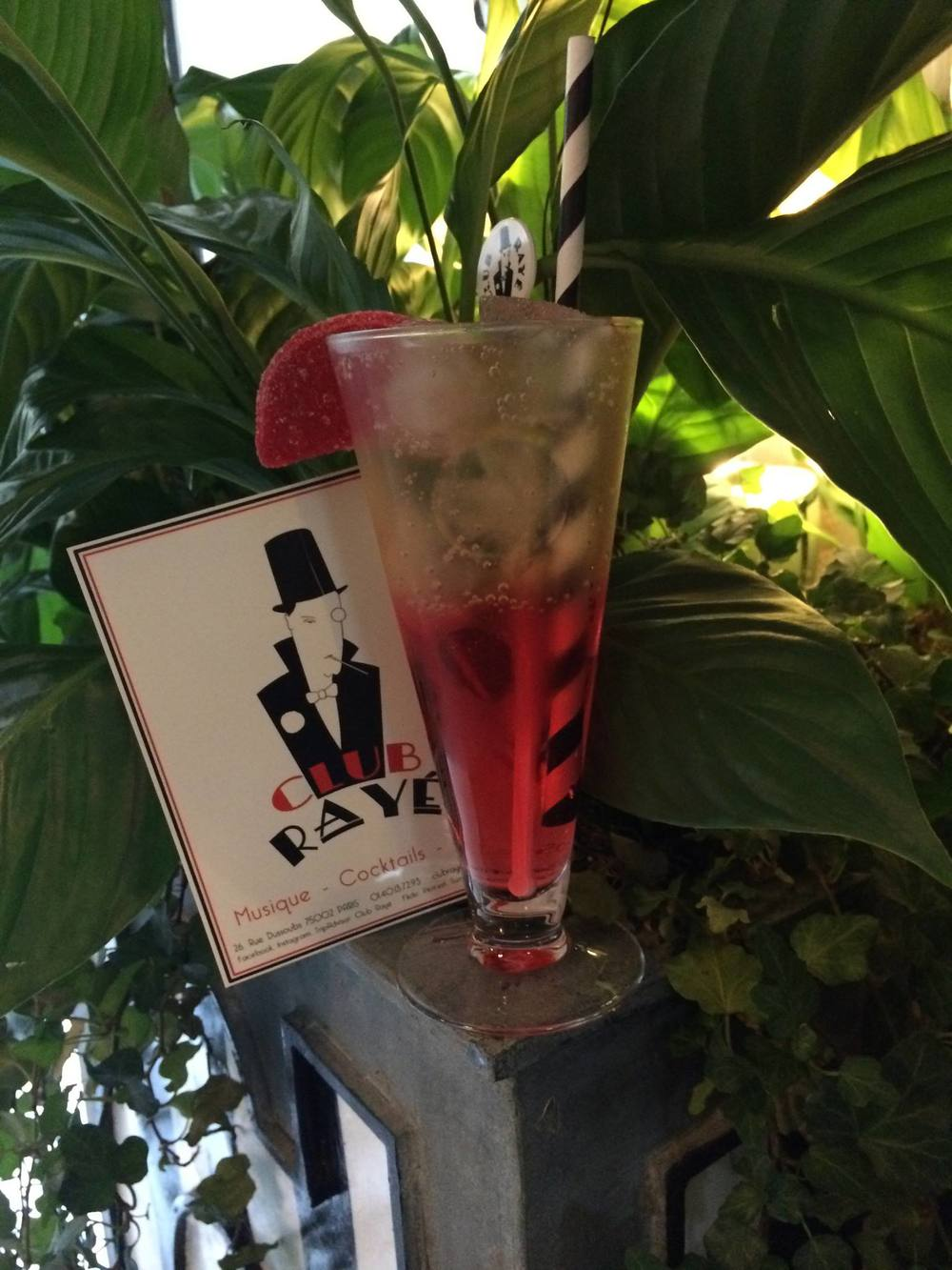Club Rayé Barman Marco say : Pourquoi pas ? Strawberry Ginger , blend of Strawberry Vodka and ginger ale ! Yumm !