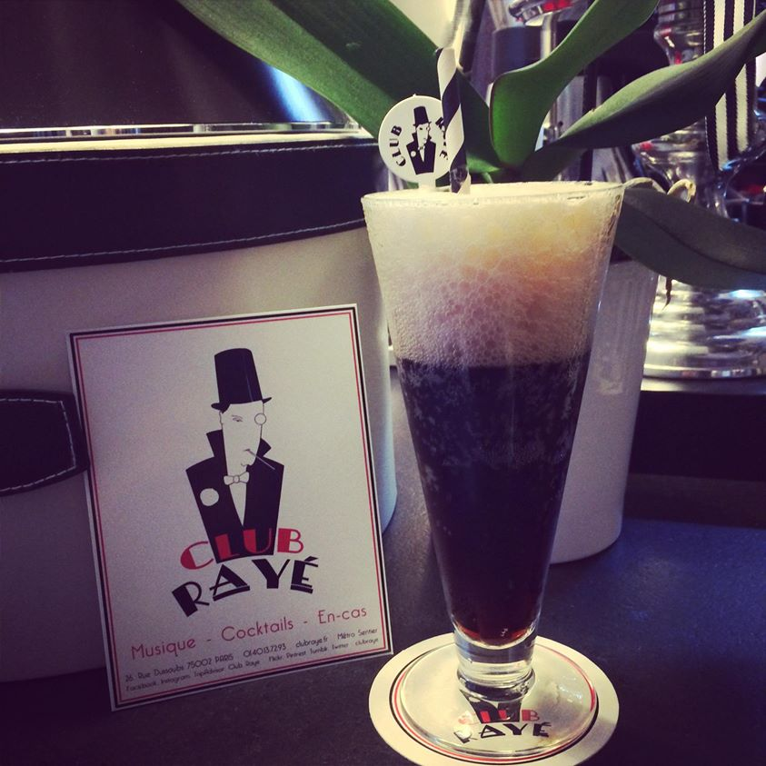 Club Rayé Barmen Marco says : Pourquoi pas ? Black Velvet , a mix of Guinness and champagne!
