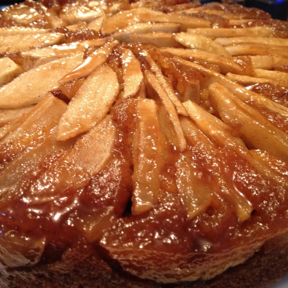 Pumpkin Apple Upside Down Cake from JenniferJuniper.net