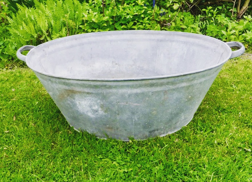 Large Tin Bath £10 (used for Hook a Duck)