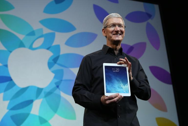 apple-tim-cook-ipad-air.jpg