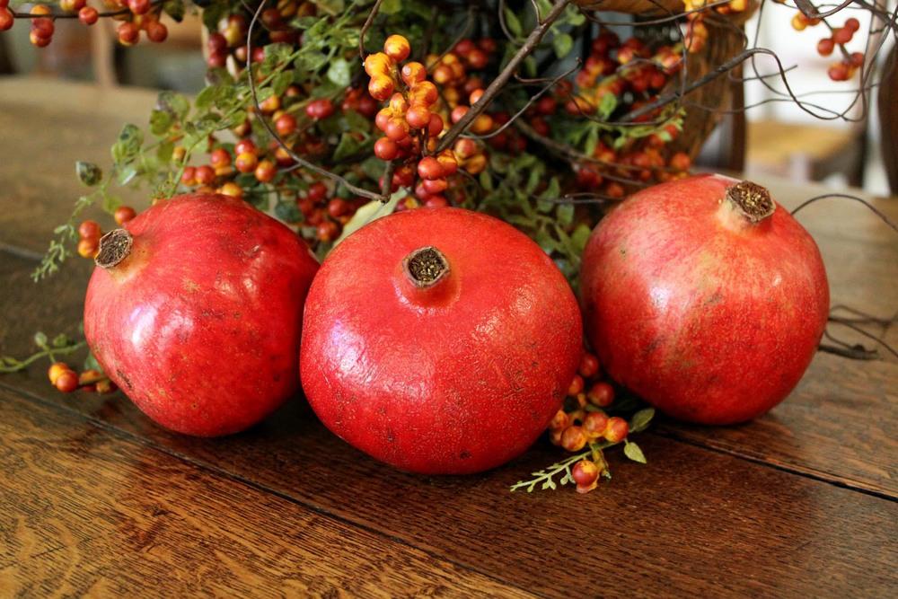 pomegranates2.jpg