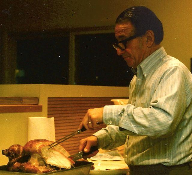 carving thanksgiving turkey.jpg