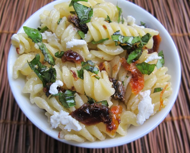 pasta with basil, s