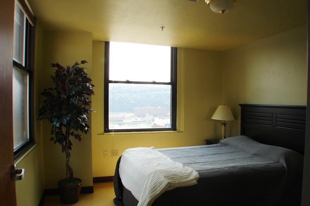 bedroomwviewext.JPG