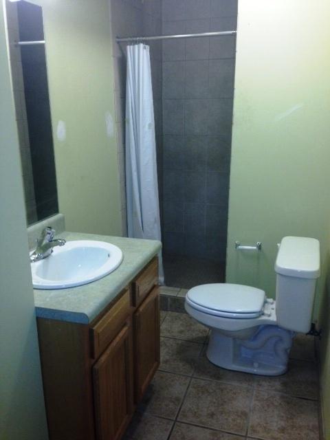 2C Bath.jpg