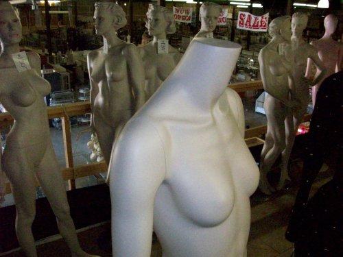 mannequins02.jpg