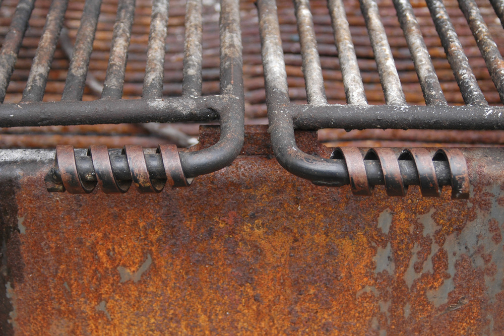 rusty-grate-on-a-park-grill-somewhere-in-oregon-or-washington-state.jpg