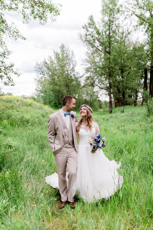 Calgary-wedding-photographers-photos-banff-35.jpg