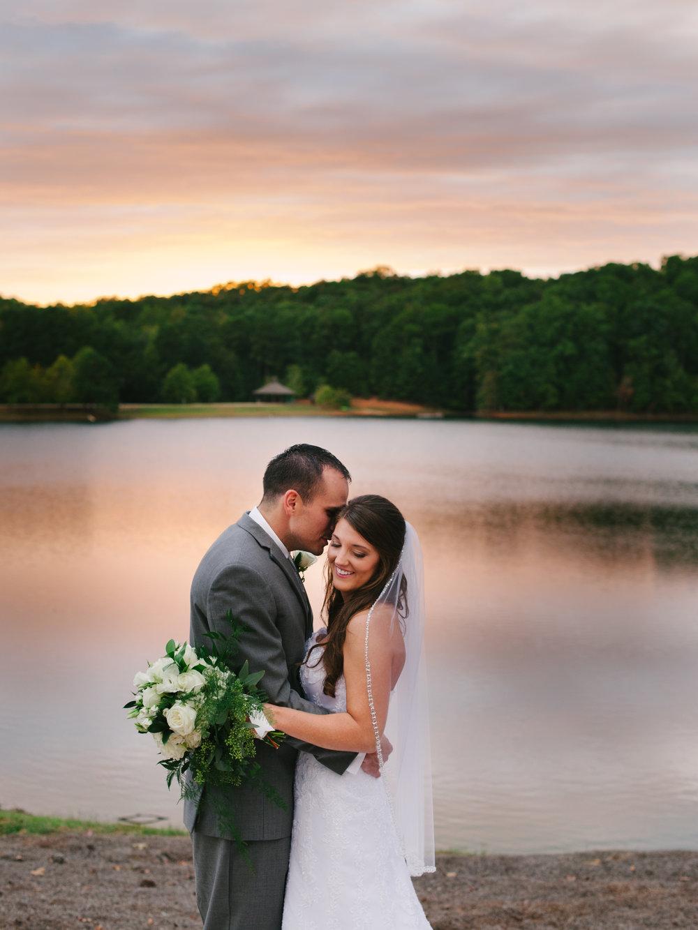 foxhall-resort-legacy-lookout-wedding-1038.jpg