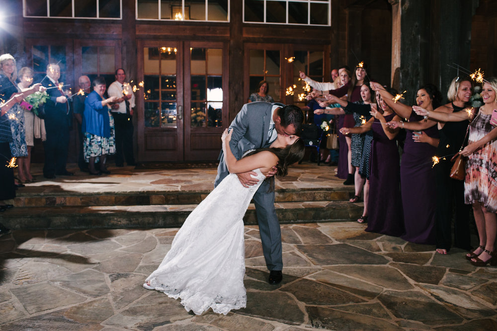 foxhall-resort-legacy-lookout-wedding-1061.jpg