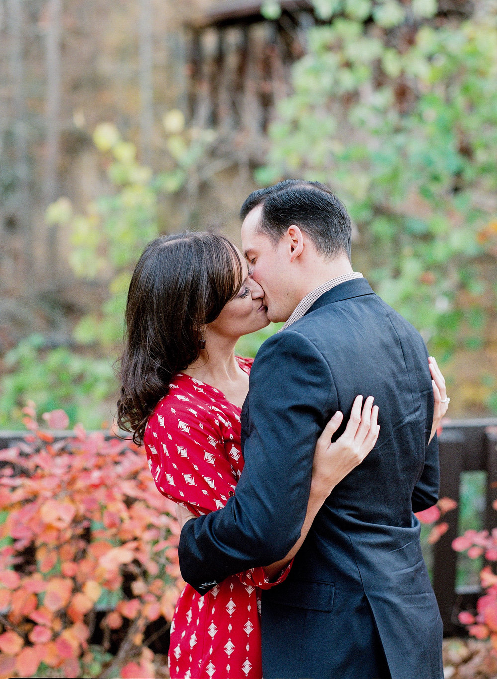 engaged couple kiss-1008.jpg