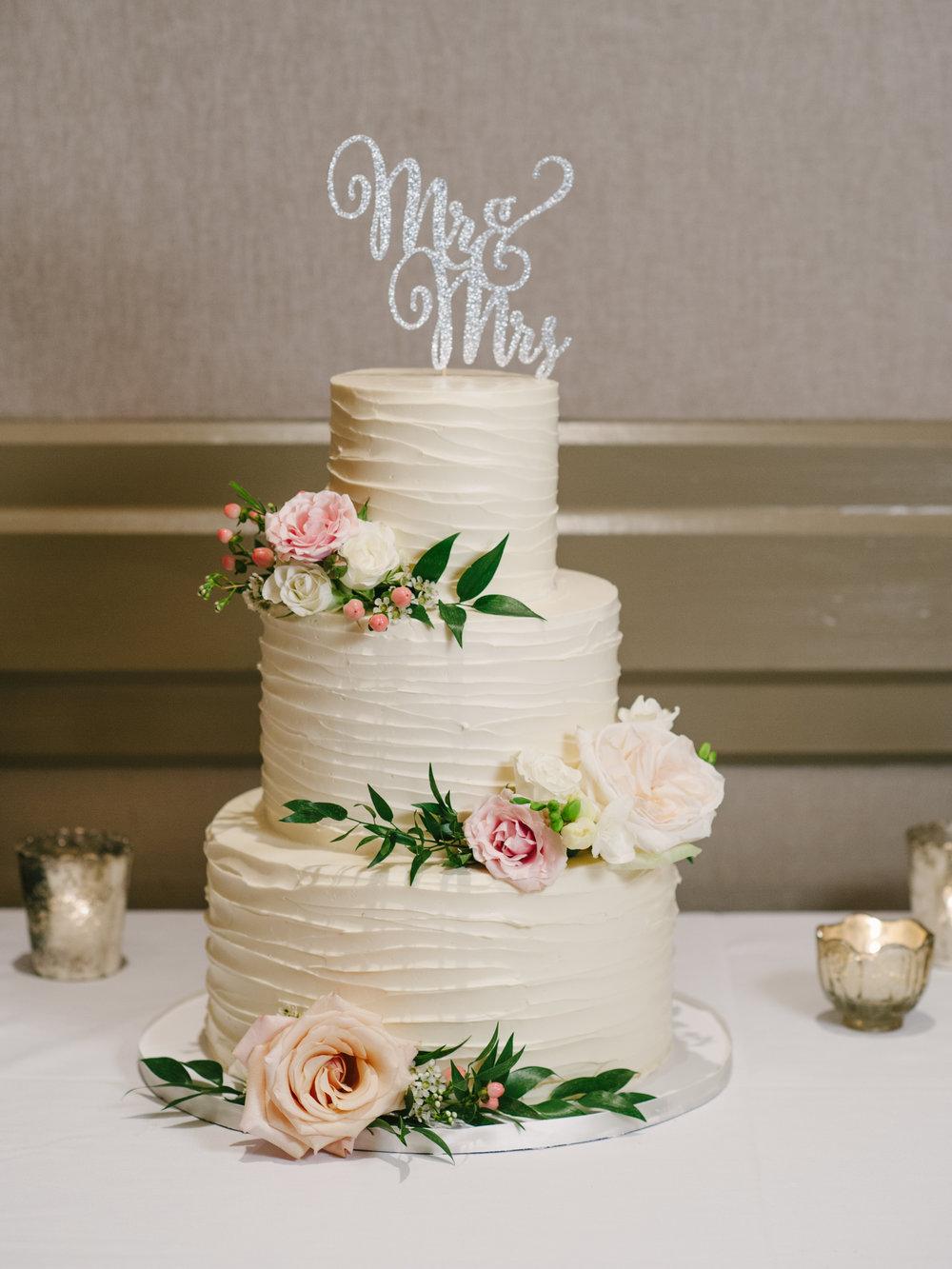 Cake at Carlos Ballroom-2029.jpg