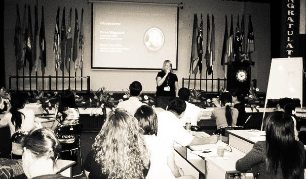 Presenting on Communicative Language Teaching in Vietnam  at the SEAMEO International Conference, Ho Chi Minh City, 2009.
