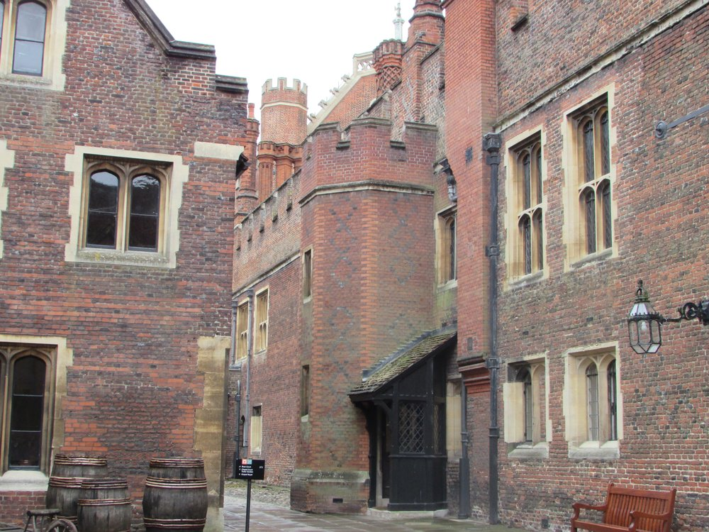 Hampton Court 9.jpg