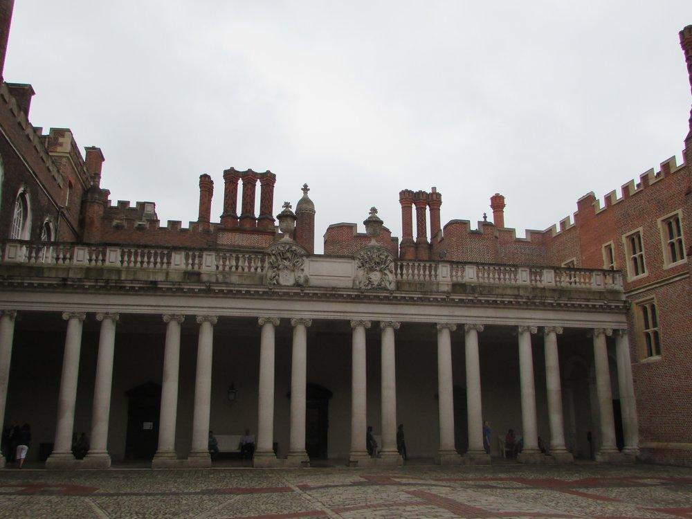 Hampton Court 2.jpg