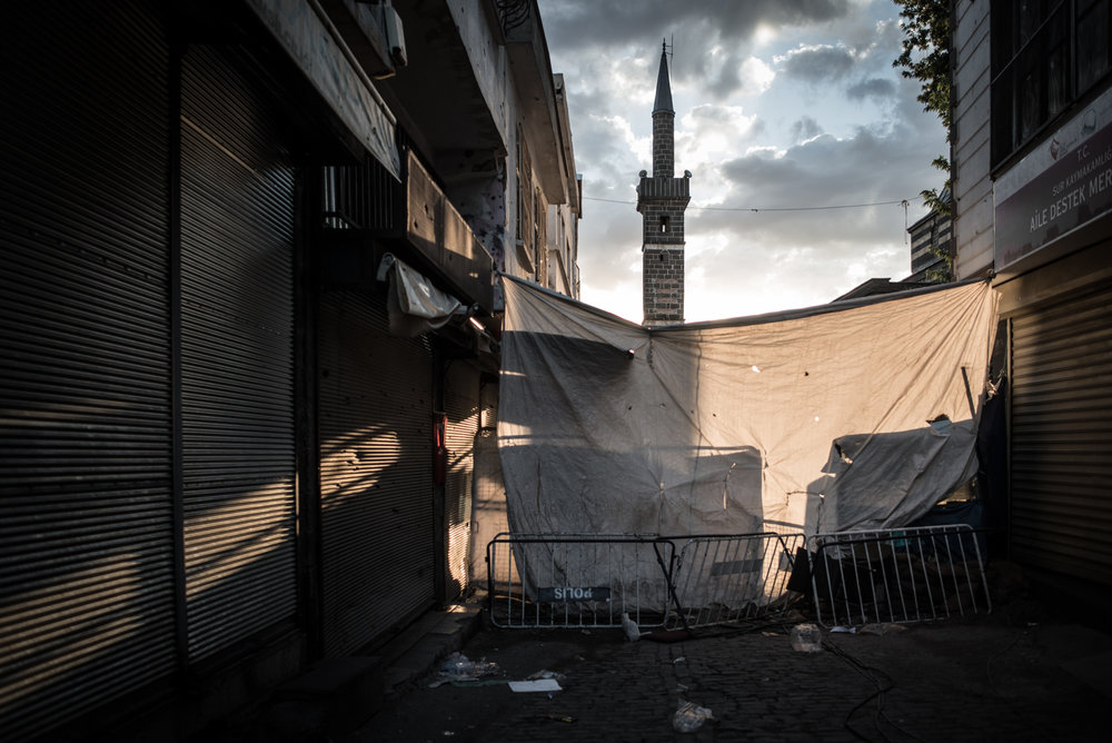Being in the area that is blocked by the government, the 16th century symbol of Diyarbakir, the Four Footed Minaret, is no longer accessible to anyone, except Turkish police.