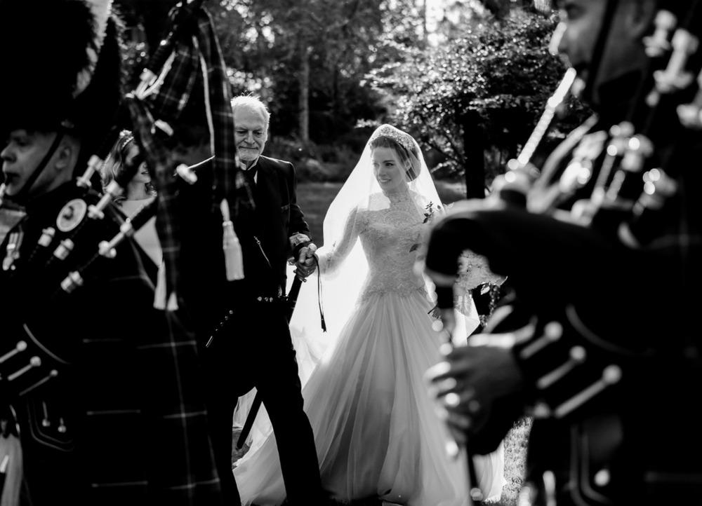 Emma_Lachy_Wiggles_Hopewood_Wedding_9.jpg