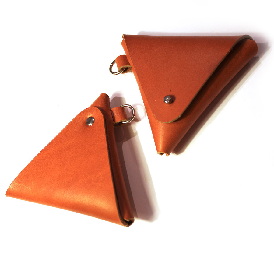 Triangular-coin-pouch-02.jpg