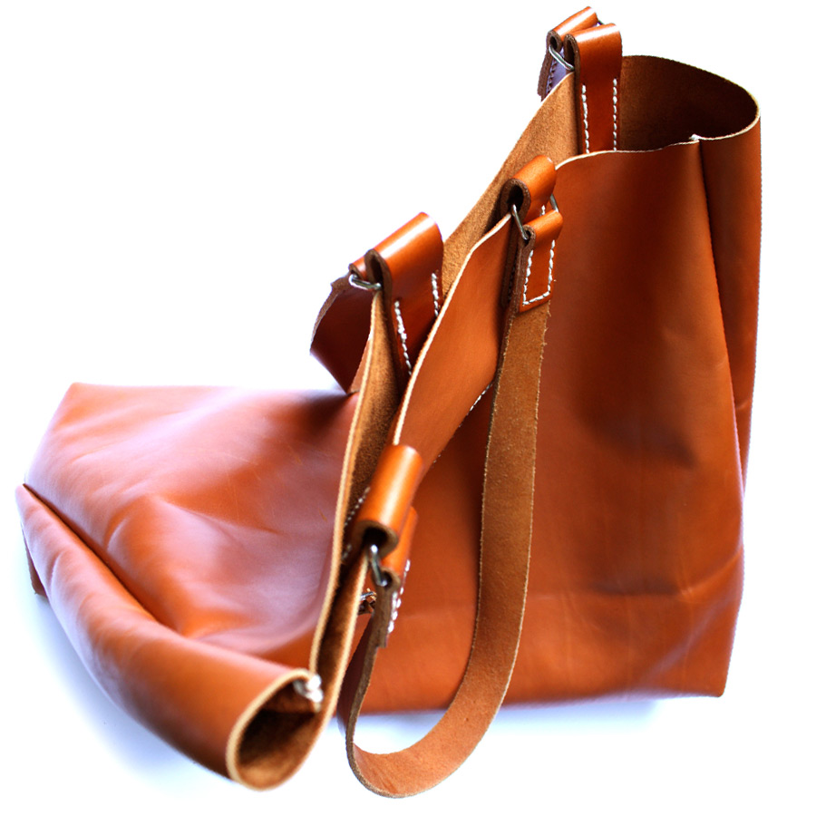 Mens-tote-bag-03.jpg