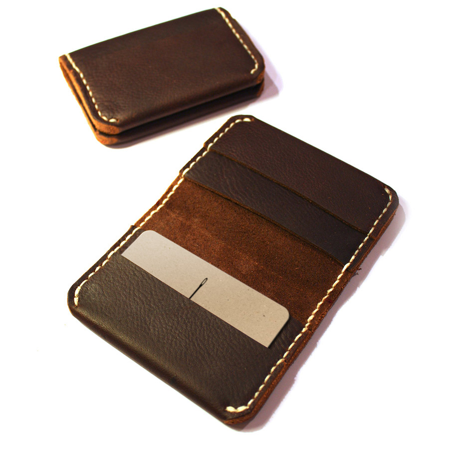 Bi-fold-card-wallet-07.jpg