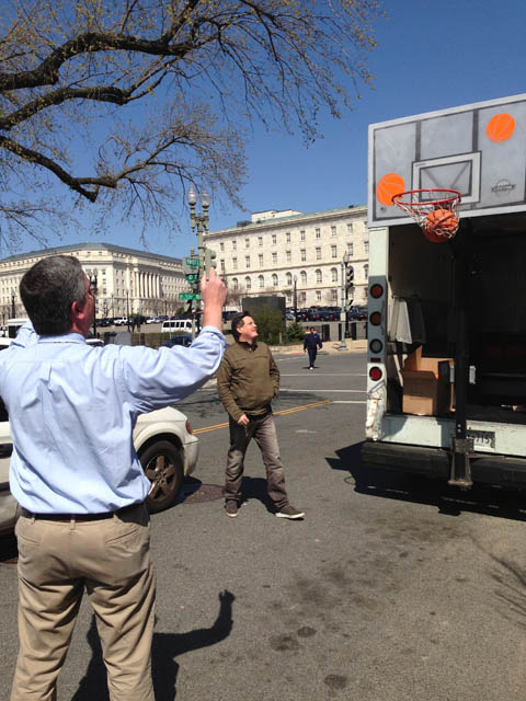 "A Beauté street team promotes The Washington Post Recess Reading Program with ""Food Truck Free Throws""."