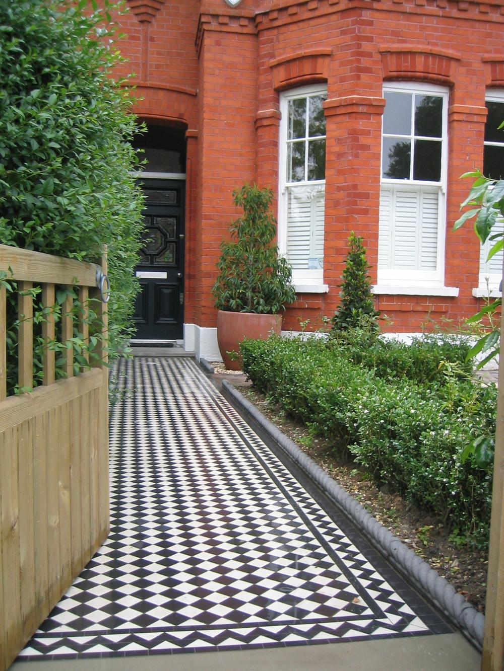 Black & White Victorian Path Tiles