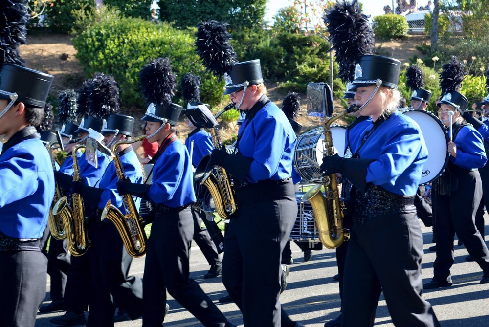 MB homecoming parade 2016.sax and drums.jpg