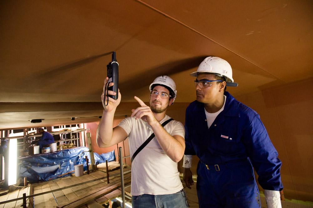 Industriele fotografie 2 mannen in schoorsteen Saudi Arabie