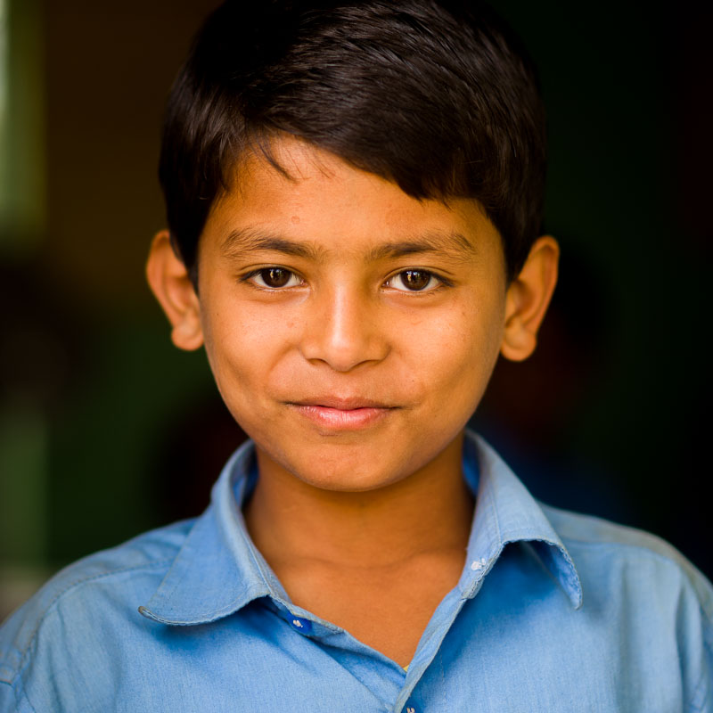 Jongen in een school in India