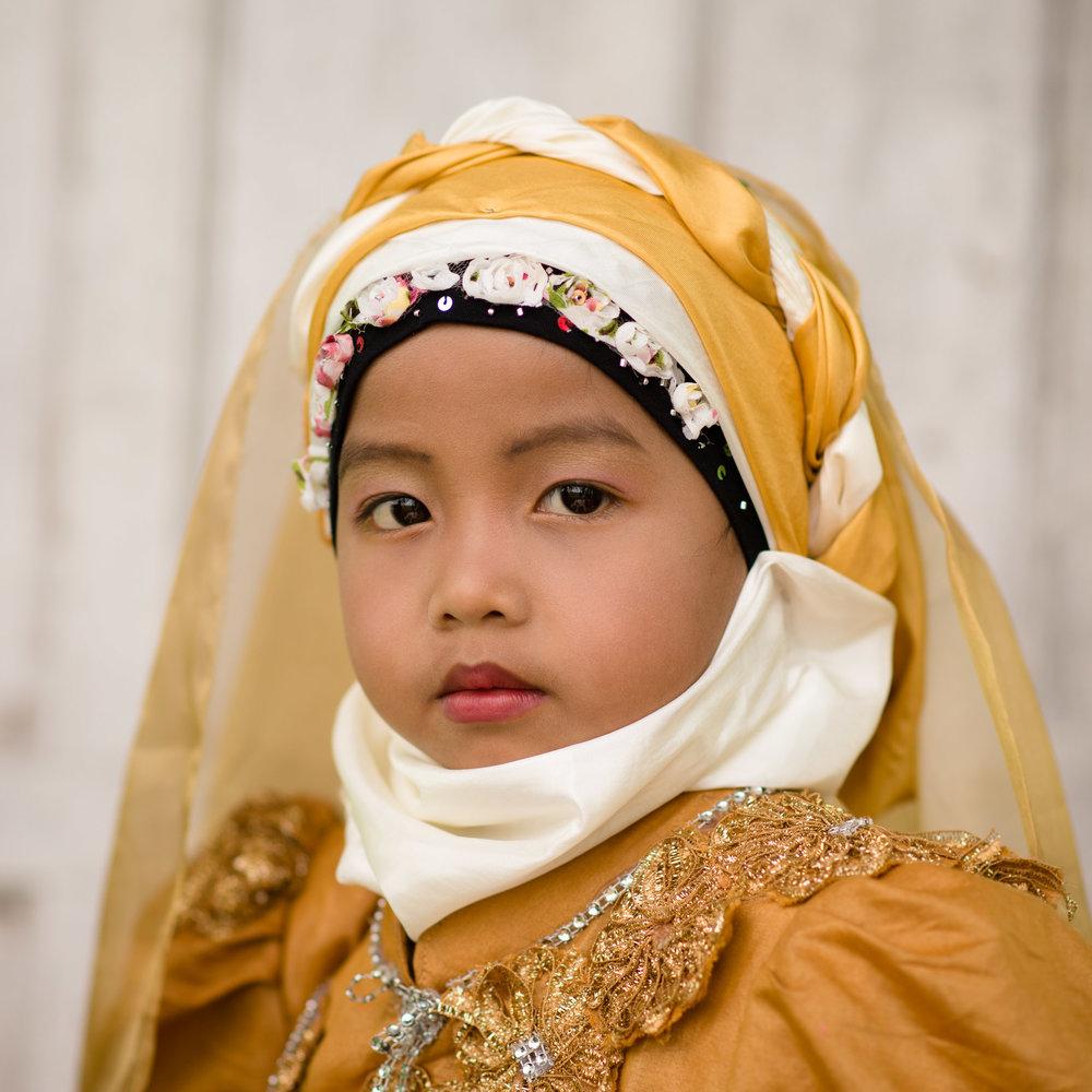 Meisje-klederdracht-Indonesie-943.jpg