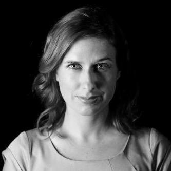 Claudia Hébert - Installée à Toronto, Claudia est une réalisatrice et cinéaste francophone dont les films ont été primés internationalement. Elle est également journaliste films et culture pour CBC, TFO et CineTFO, couvrant le festival du film international de Toronto (TIFF) et le festival de Cannes. Productrice télévision et radio, Claudia a récemment présenté l'émission Y'a pas deux matins pareil sur CBC.