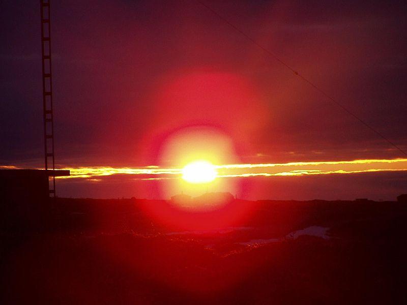 800px-Canada_fire_sunset.jpg