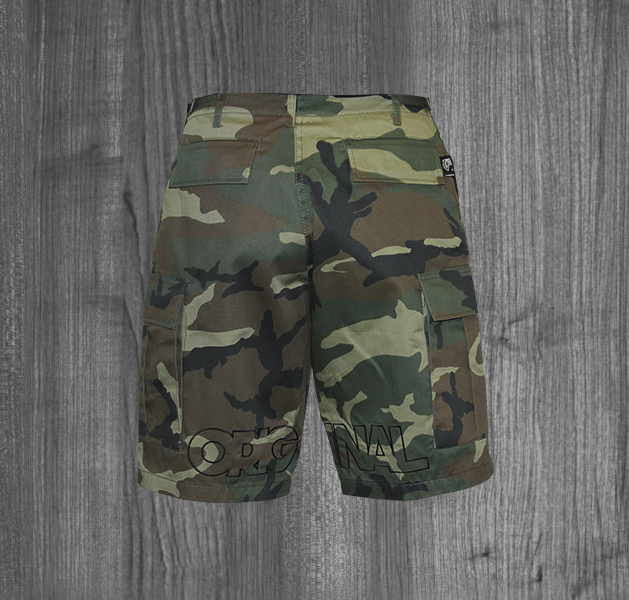CAMO shorts WOODLAND BLACK BACK.jpg