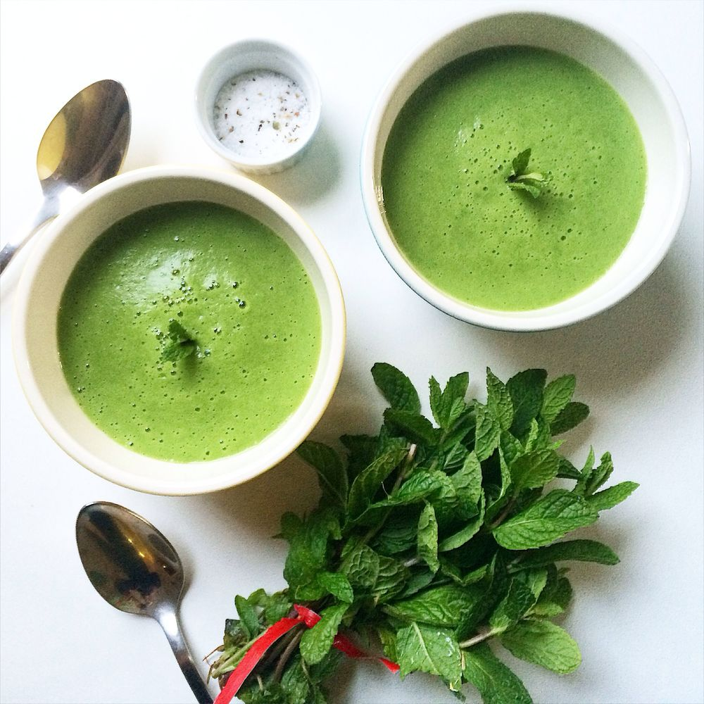 Left-over make-over: spring onion, pea and mint soup.